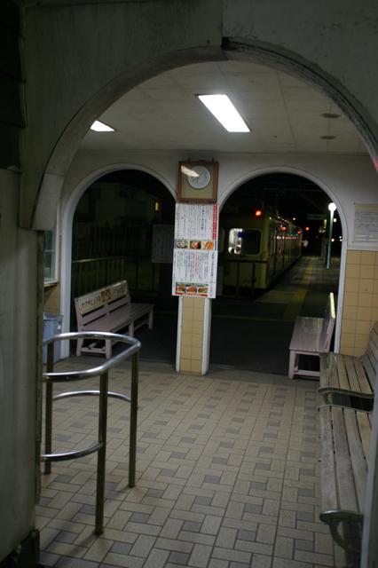 IMG_07JR銚子駅のホームの端に設けられた、銚子鉄道の銚子駅40.JPG