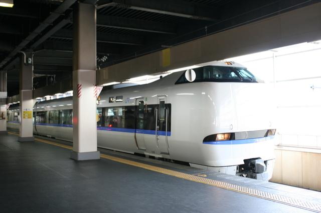 IMGJR西日本の特急ダイナスターに用いられる638系電車 金沢駅_2091.JPG