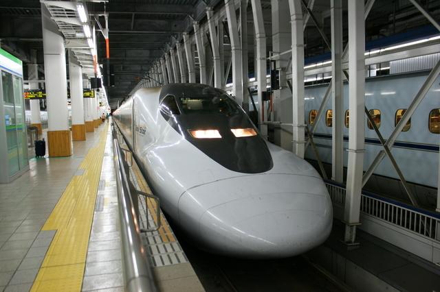 IMG_2361JR博多南線では「ひかりレールスター」など新幹線車両が活躍中.JPG