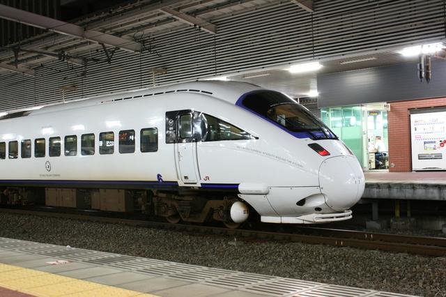 IMG_24黒い本革が使われているJR九州885系「特急白いかもめ号」35.JPG
