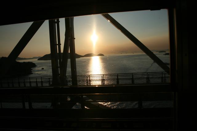 IMG_29瀬戸大橋 瀬戸内海88.JPG