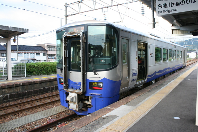 IMG_303えちごトキめき鉄道(ひすいライン)に投入された新造気動車ET1225.JPG