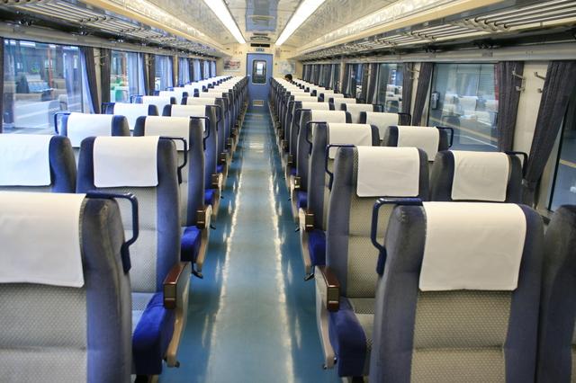IMG_3116JR特急ホームエクスプレス阿南号の座席.JPG