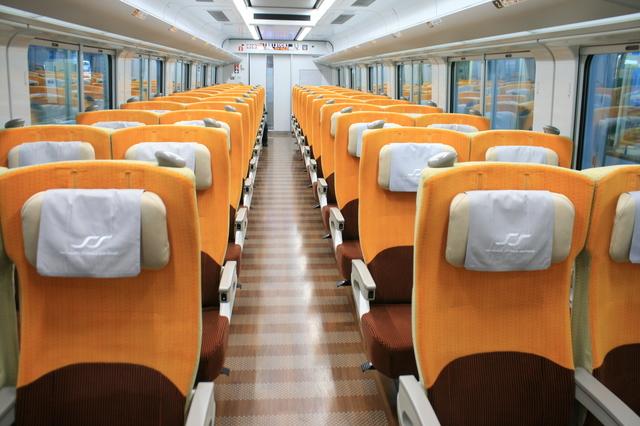 IMG_JR四国(四国旅客鉄道)の新型特急車両8600系(普通車)の座席