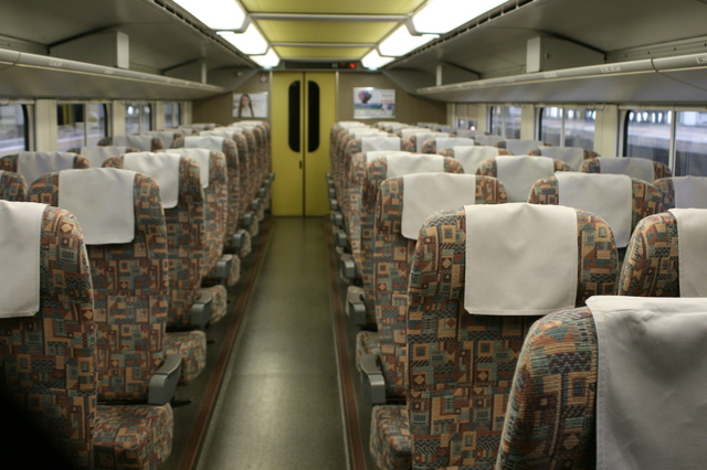 IMG_35落ち着いて読書など楽しめる上越新幹線MAXときの1階席シート 44.JPG