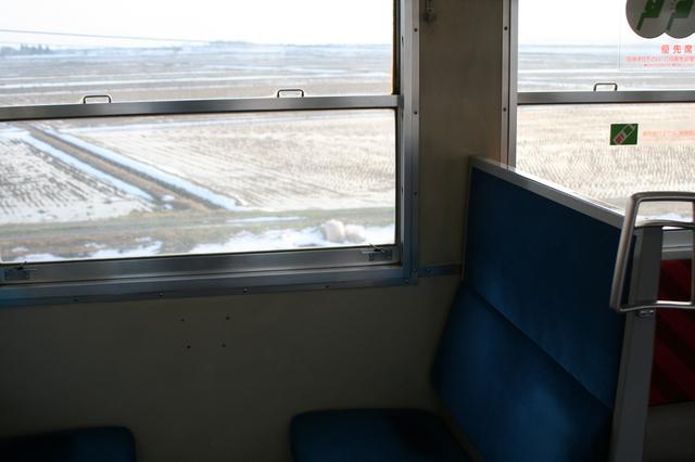 IMG_358JR羽越本線の車窓には広大な越後平野が広がる0.JPG