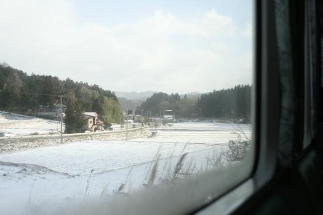 IMG_42雪深い区間もあるJR大船渡線の車窓84.JPG
