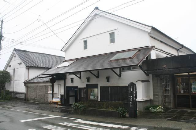 IMG_57銘酒「れいざん」の蔵元で知られる山村酒造02-min.JPG
