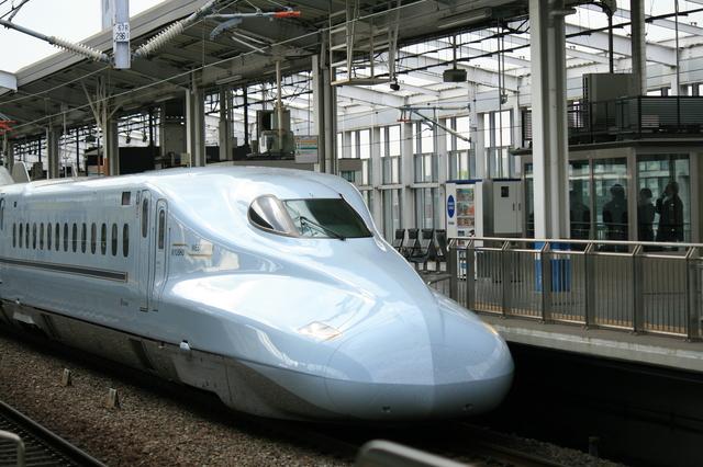 IMG_673JR山陽新幹線・JR九州新幹線を直通運転する新幹線みずほ号N700系車両7.JPG