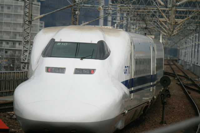 IMG_東京~博多間を結ぶJR新幹線のぞみ号700系