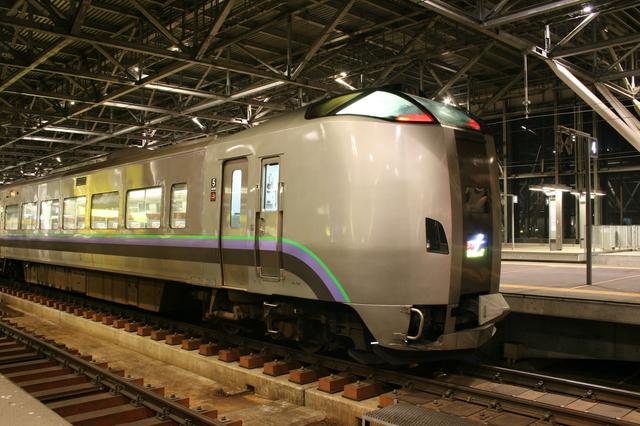 IMG_68新千歳空港駅・札幌駅~旭川駅を結ぶ、特急スーパーカムイ号71.JPG