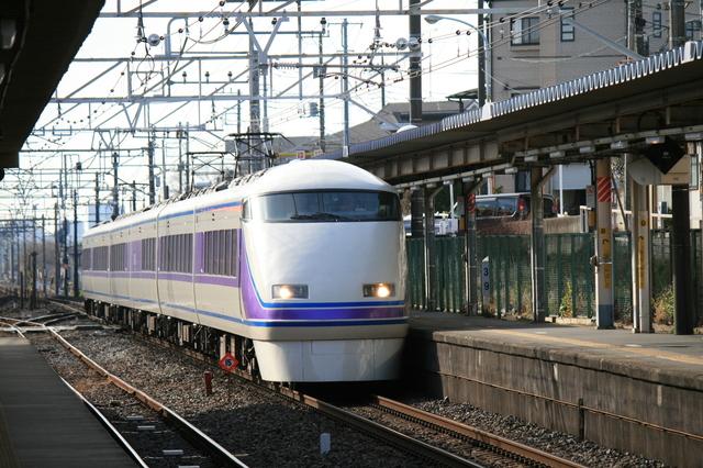 IMG_東武鉄道の特急列車「きぬ号(スペーシア 100系車両)」7304.JPG