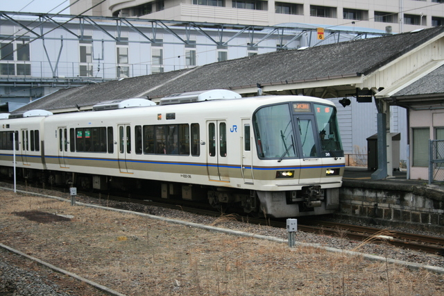 IMG_7510京都~奈良を結ぶJR奈良線を走る快速列車「みやこ路快速」.JPG