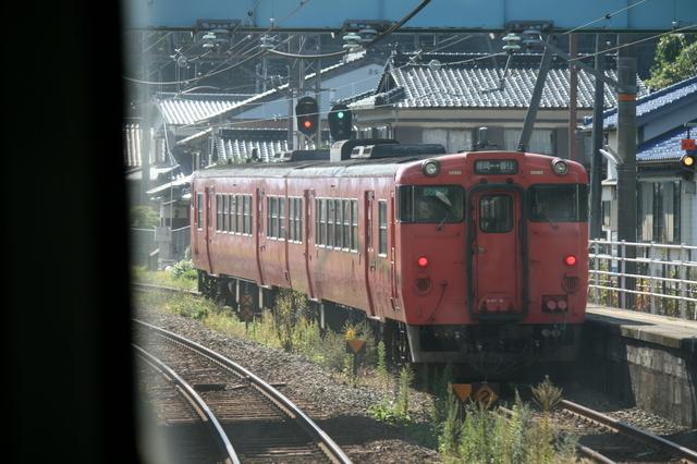 IMG_7927JR山陰本線を走る普通列車.JPG