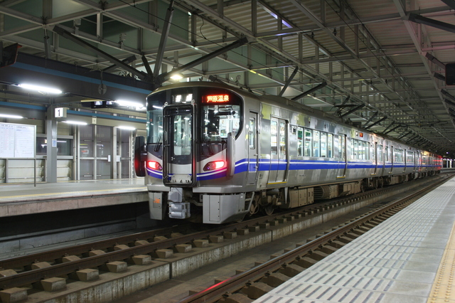 IMG_8233JR北陸本線 電車.JPG
