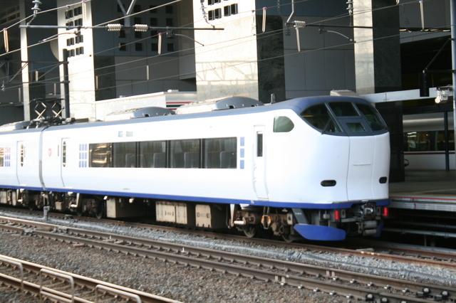 IMG_860京都駅に停車する特急はるか号3-thumbnail2.jpg