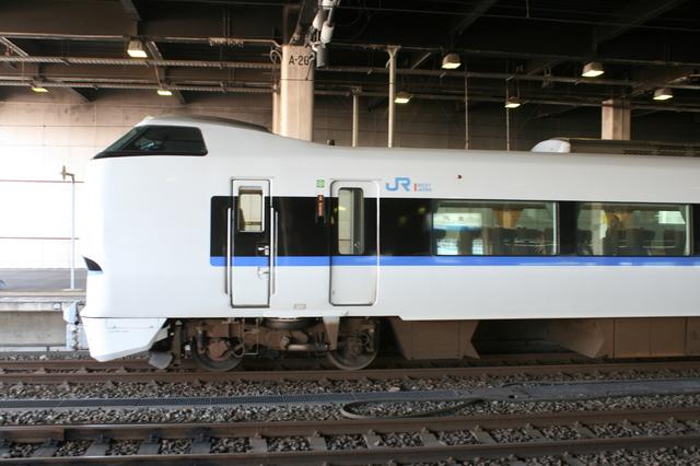 IMG_938特急サンダーバード号(リニューアル新型車両)JR西日本6.JPG