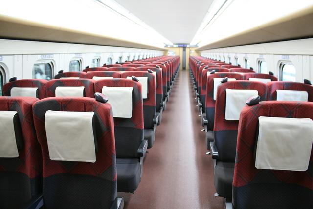 IMG_9562△北陸新幹線の普通車座席.JPG