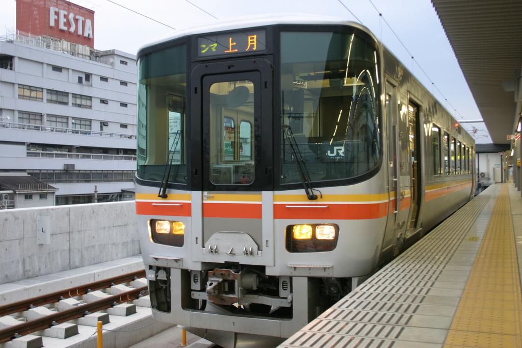 5 003jr姫新線.jpg