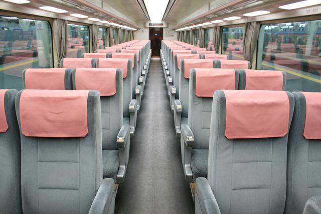 IMG_南海電車の特急サザン 座席指定車両(10000系)の座席