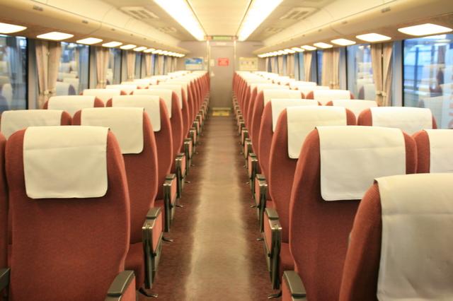 IMG_0310JR特急しらさぎ号 普通車(指定席、自由席)の座席.JPG