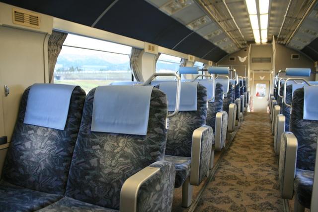 IMG_0533富山地鉄「特急うなづき号」(ダブルデッカーエクスプレス)の指定席車両の座席(2階席).JPG