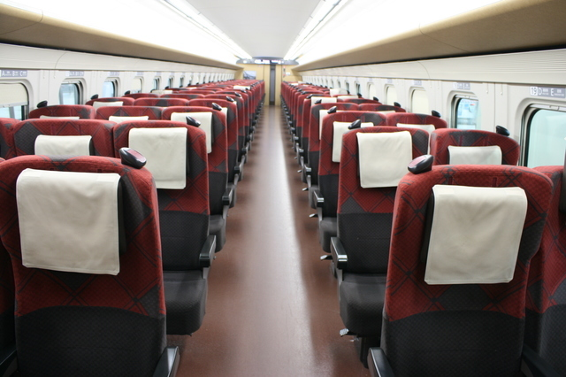 IMG_158北陸新幹線の普通車車両の座席3.JPG