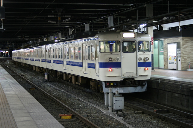 IMG_2147JR鹿児島本線の普通列車.JPG