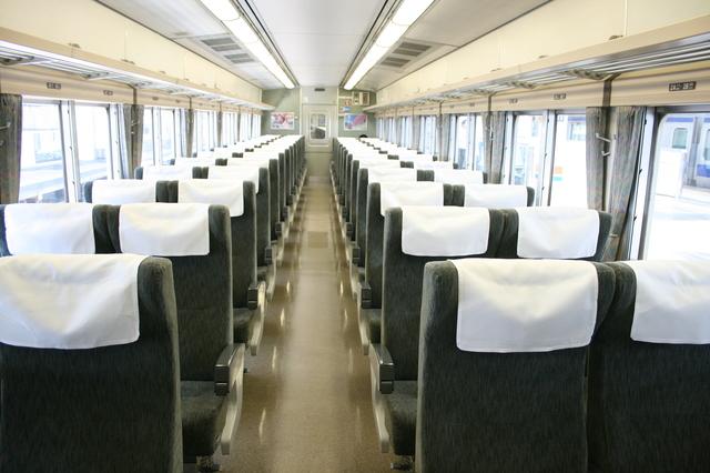 IMG_JR東日本の185系「特急踊り子号」(185系電車)普通車自由席・指定席の座席