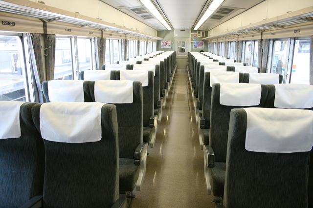 IMG_185系車両の普通車(自由席、指定席)の座席