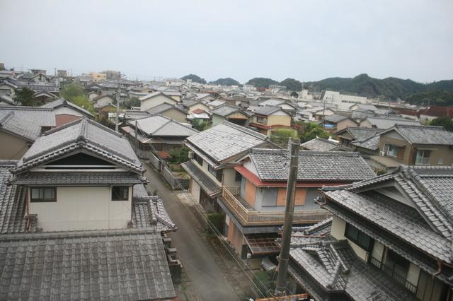 IMG_3226阿佐海岸鉄道宍喰駅付近。街並みが広がる.JPG