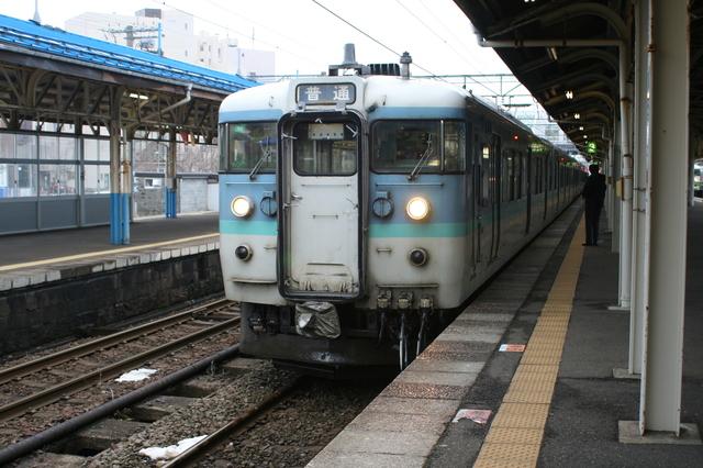 IMG_323えちごトキめき鉄道(妙高はねうまライン)で運行中の115系電車2.JPG