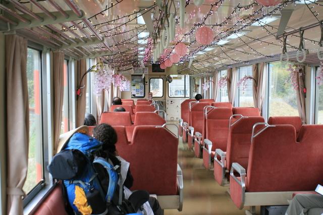 IMG_323阿佐海岸鉄道の座席4.JPG