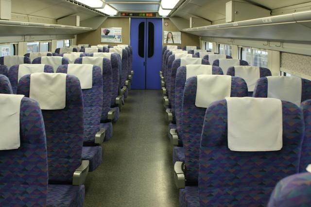 IMG_35東京〜新潟を結ぶ上越新幹線MAXときの2階座席43.JPG