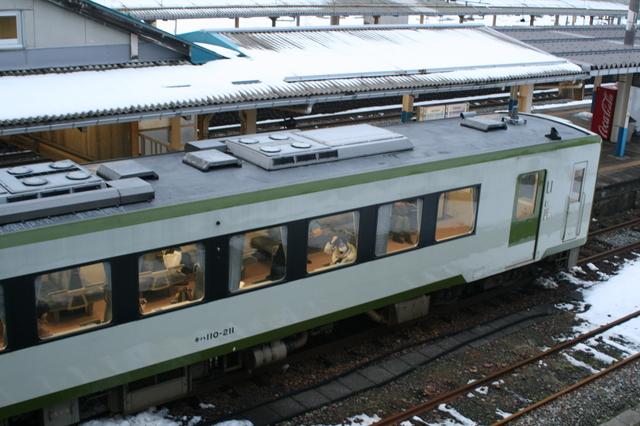 IMG_367JR坂町駅にて6.JPG