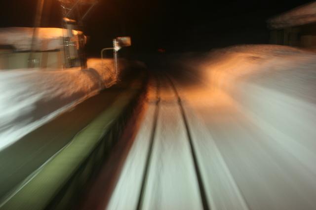 IMG_36日本有数の豪雪地帯を行くJR米坂線の列車94.JPG