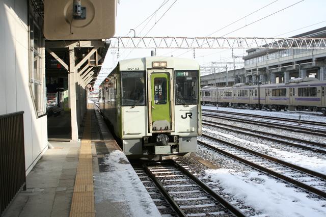 IMG_422一ノ関駅に停車するJR大船渡線の普通列車5.JPG