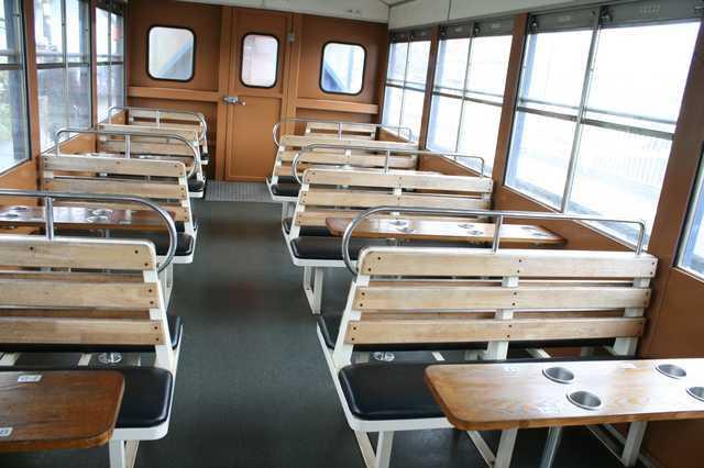 IMG_535南阿蘇鉄道のトロッコ列車「ゆうすげ号」の座席(全車指定席)6-min.JPG