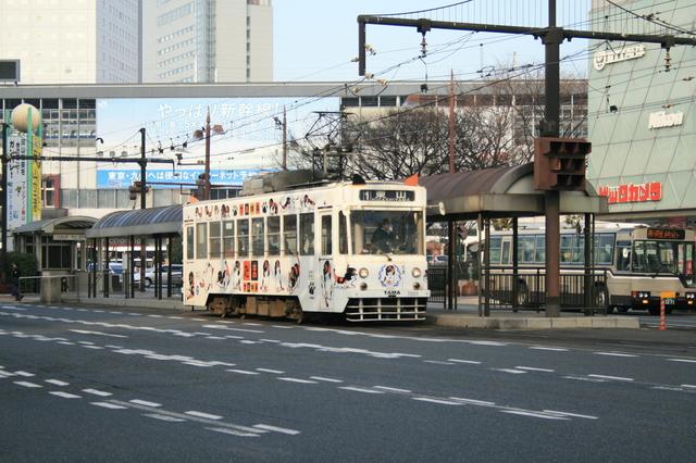 IMG_667岡山市内を走る岡山電気軌道の「たま電車」6.JPG