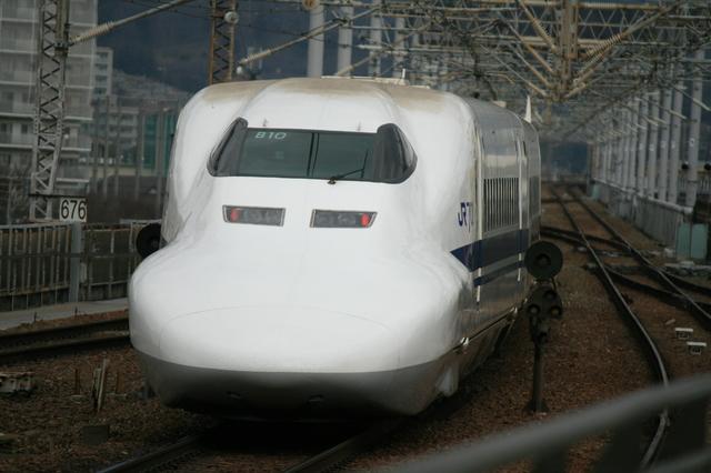 IMG_6790新幹線「のぞみ号」には普通車(自由席・指定席)グリーン車が連結。.JPG