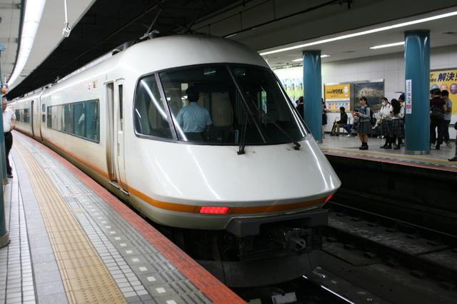 IMG_大阪難波駅~名古屋駅を結ぶ 近鉄特急アーバンライナー21000系