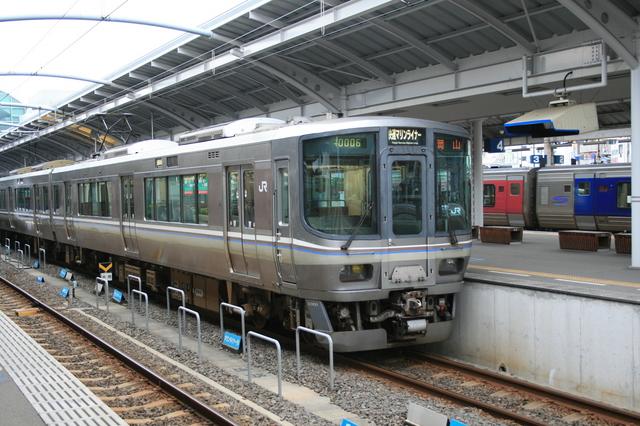 IMG_708JR瀬戸大橋線「快速マリンライナー」の一般車両0.JPG