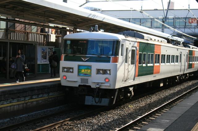 IMG_前橋〜上野間を結ぶ、JR東日本の特急あかぎ号(185系車両)