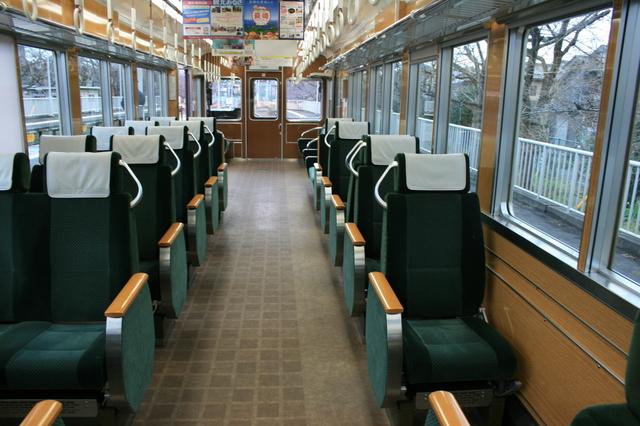 IMG_阪急嵐山線6300系車両のシート