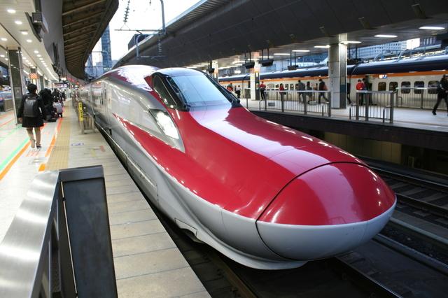 IMG_東京~秋田を結ぶJR秋田新幹線「こまち号」(E6系電車)