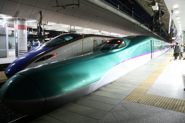 IMG_8014北海道新幹線「はやぶさ」(東京~新函館北斗).JPG