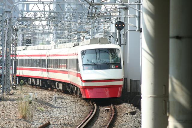 IMG_815浅草駅~赤城駅などを結ぶ東武鉄道の特急りょうもう号9.JPG
