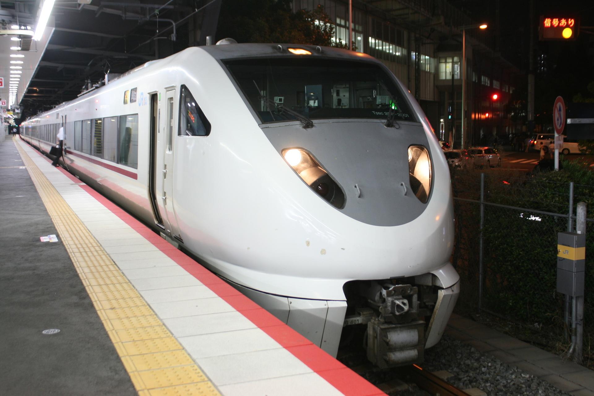 IMG_8745金沢〜和倉温泉間を結ぶ特急「能登かがり火」.JPG