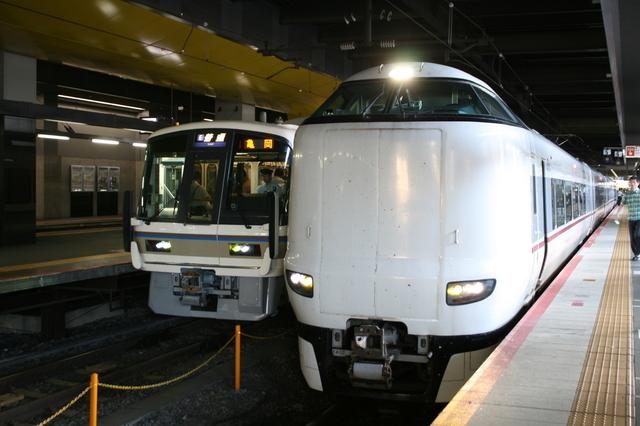 IMG_京都~城崎温泉を結ぶJR西日本の特急きのさき号(287系電車