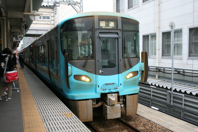 IMG_9447IRいしかわ鉄道の普通列車.JPG